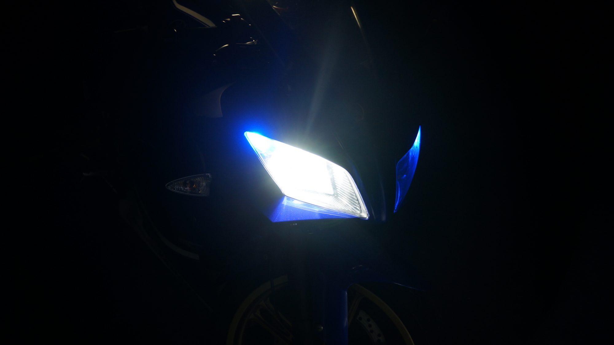 YZF-R125のヘッドライト(LOW側)LED化